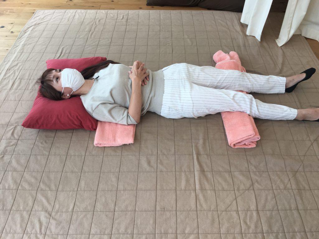 寝るときのタオルの使い方